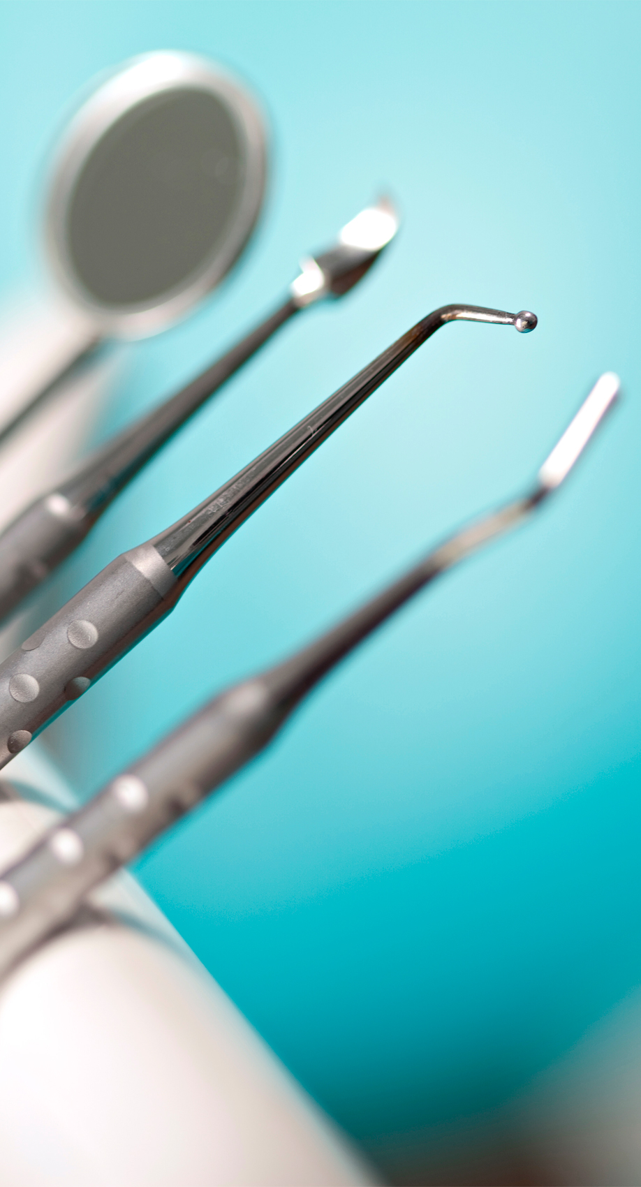 Dentists-instruments-with-shallow-depth-of-field